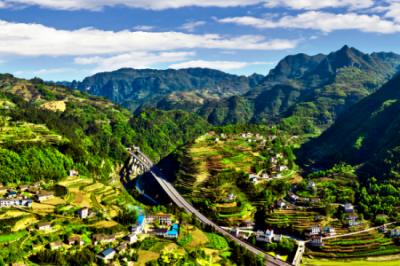 富裕山生态旅游公司